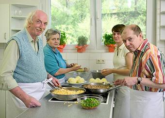 Gemeinsames Kochen im Gesundheitszentrum